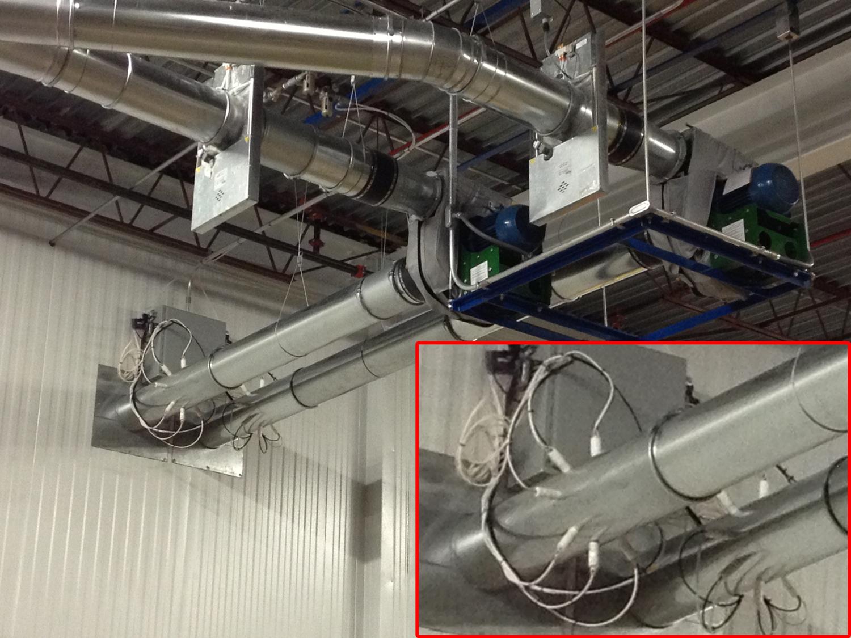 Verhinderung von Verstopfungen während Luftförderung von Abfallstreifen